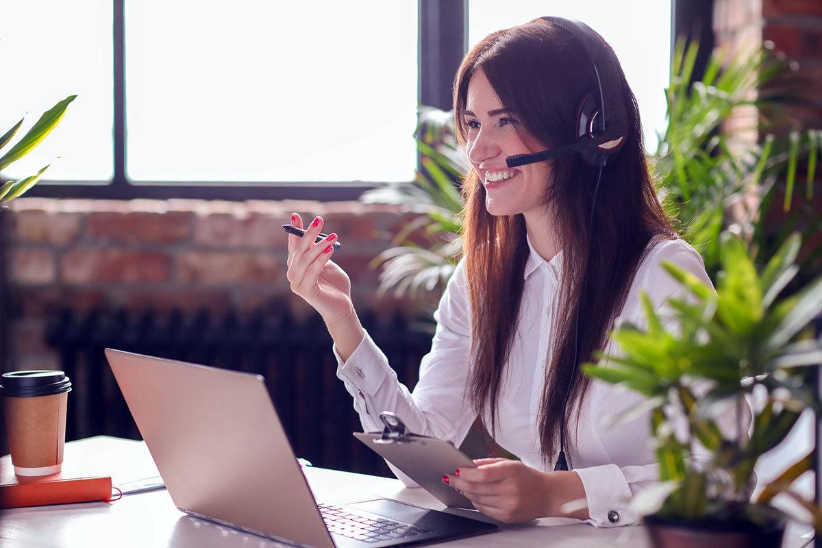Привлечь клиентов с помощью вежливой поддержки пользователей по телефону
